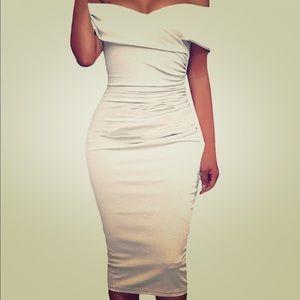 Dresses & Skirts - Gorgeous White Dress